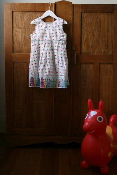 Paper fan dress rody