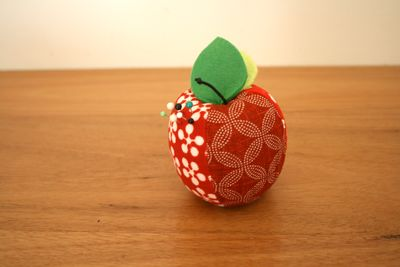 Apple pin cushion